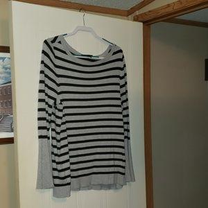 Lane Bryant Bell Sleeve Gray & Black Sweater 14/16